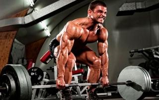 Причины тренироваться со свободными весами